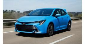 Toyota Corolla Hatchback 2019 giá sàn 453 triệu đồng