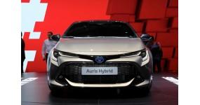 Toyota Auris Hybrid 2019: Tuyệt đối không với động cơ dầu và khí thải lớn.